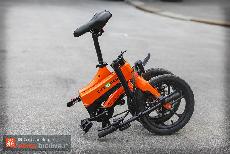 Bici elettrica Bit Bike piegata