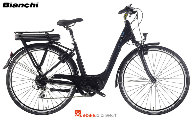"""Una bicicletta elettrica Bianchi Puch E-Ray Lady 28"""" anno 2019"""