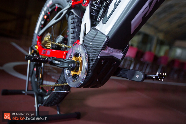 foto del motore della fantic xf1 200 dh