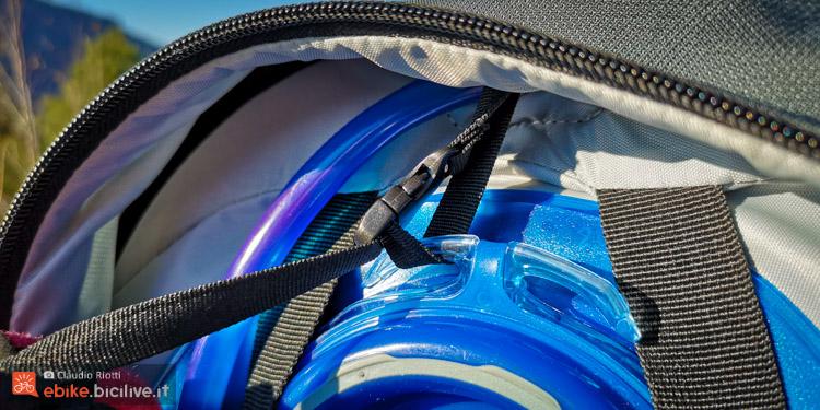 foto della sacca idrica dello zaino mtb xlc