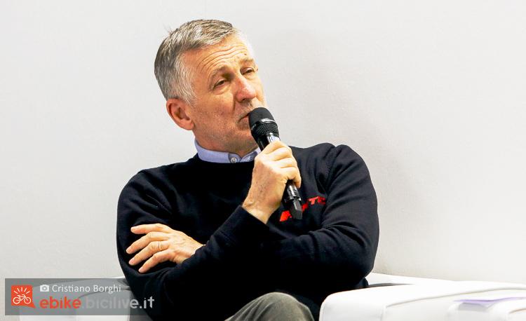 Intervento di Mariano Roman durante la conferenza di cosmobike 2019