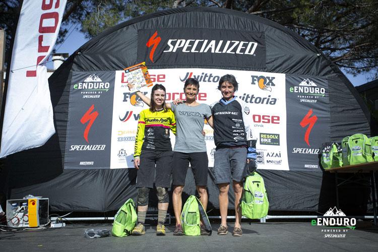 Il podio della gara di Lacona del campionato e-Enduro con la vincitrice , Sapin Nadin