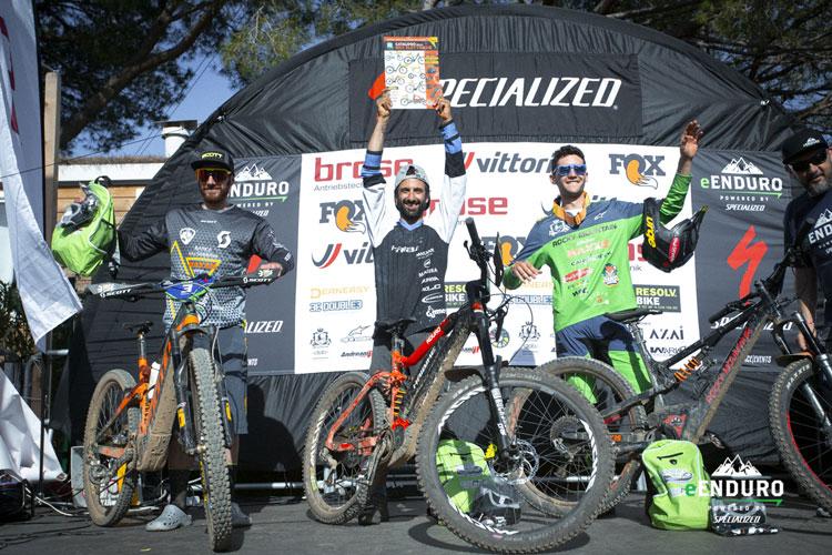Il podio con il campione Andrea Garibbo al centro