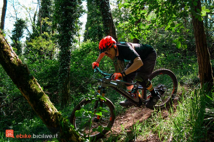foto di claudio riotti in sella alla emtb ibrida lapierre ezesty