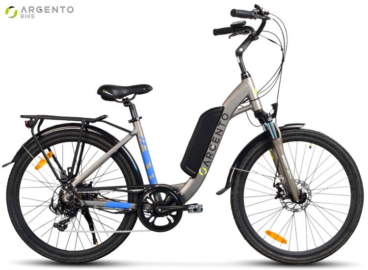 Una bici elettrica da città Argento Bike Omega