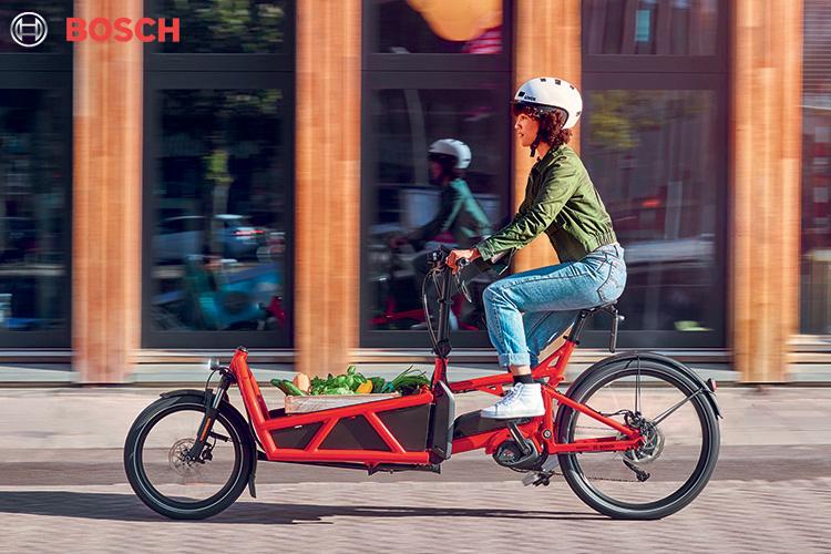 Una bicicletta elettrica cargo equipaggiata con motore Bosch Cargo Line Speed 2020