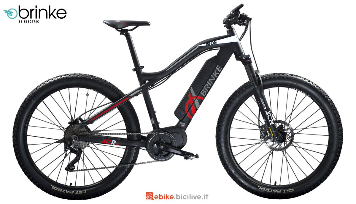 Una bicicletta elettrica Brinke XCR+ 500