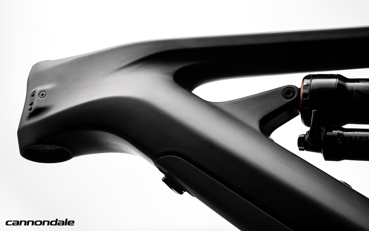Dettaglio del telaio della e-MTB Cannondale Moterra 2020