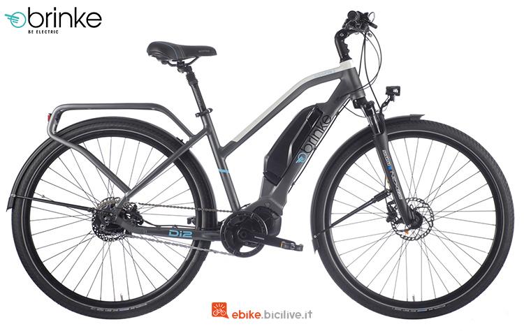 Una bici elettrica Brinke Rushmore Evo Di2 Comfort con cambio automatico