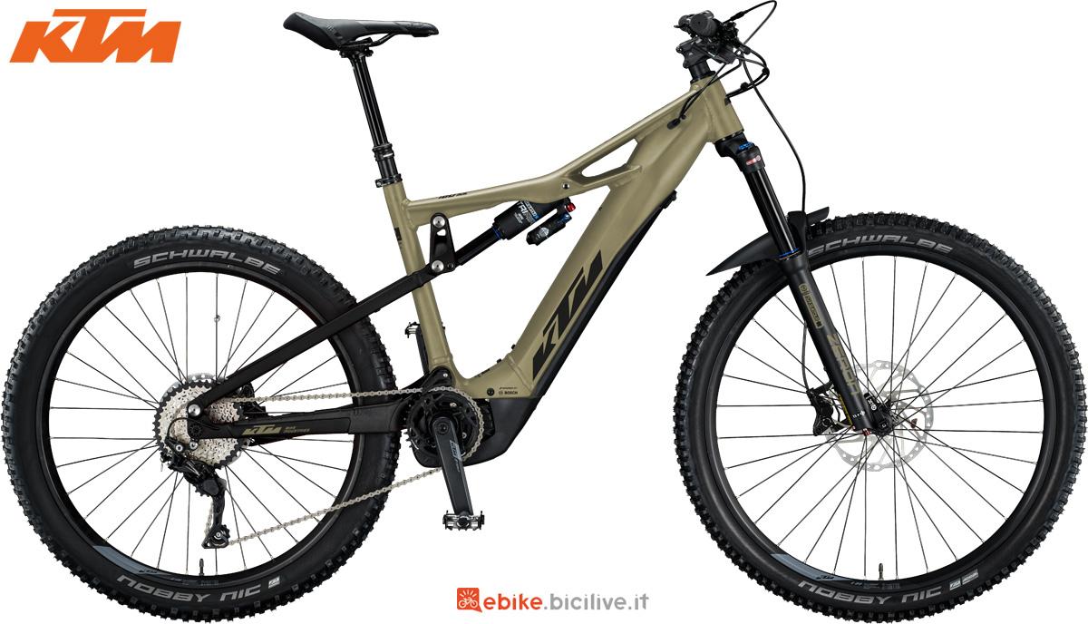 Una ebike a pedalata assistita KTM Macina Kapoho 2973 gamma 2020