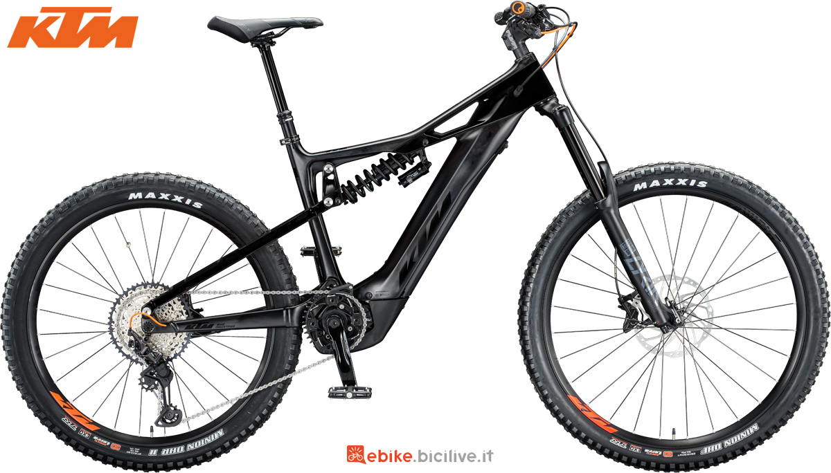 Una mountain bike a pedalata assistita full suspended KTM Macina Prowler Master gamma 2020