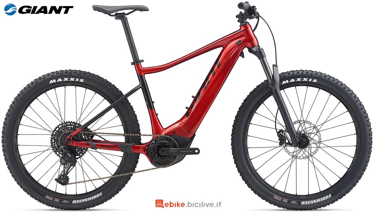Una mtb a pedalata assistita Giant Fathom E+ 1 PRO 29