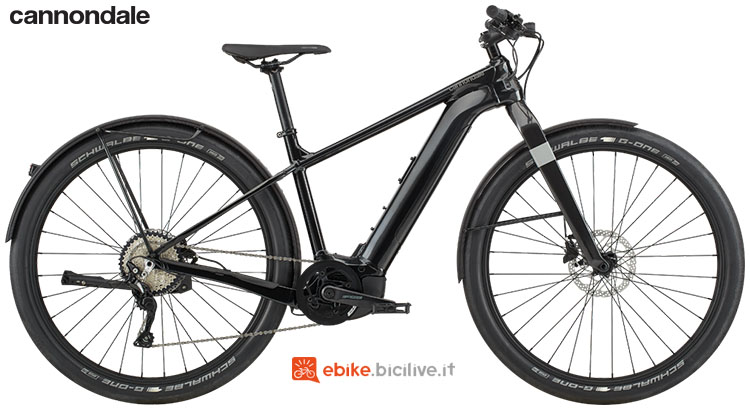 Una bici elettrica per uso cittadino Cannondale Canvas Neo 1