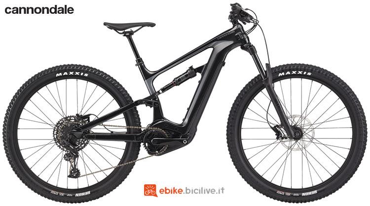 Una mountain bike elettrica biammortizzata Cannondale Habit Neo 4