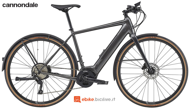 Una bicicletta elettrica a pedalata assistita Cannondale Quick Neo EQ gamma 2020