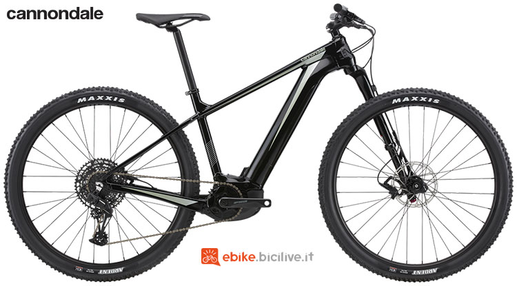 Una eMTB hardtail Cannondale Trail Neo 1