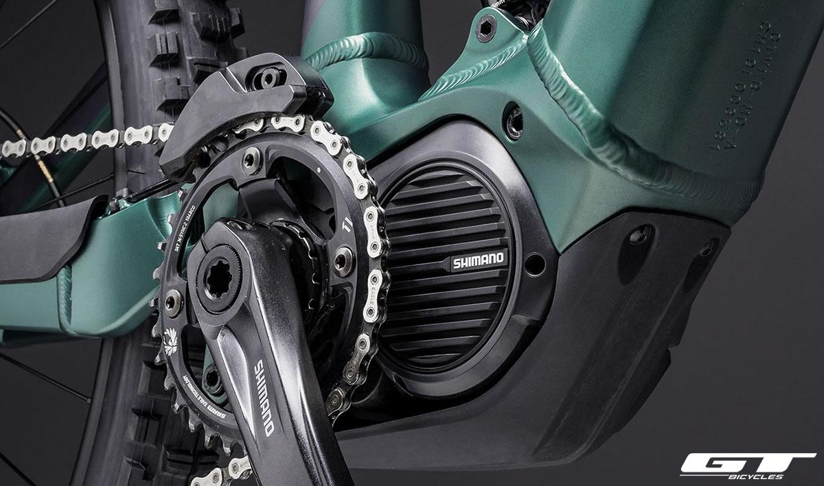 La bici GT-E Force Amp con montato il motore Shimano STEPS DU-E7000 da 250W 2020