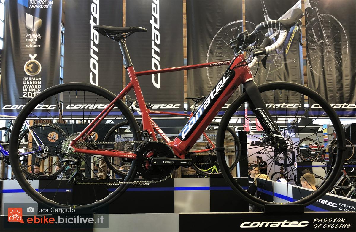 Una bici eRoad Corratec E-Corones Elite della gamma 2020
