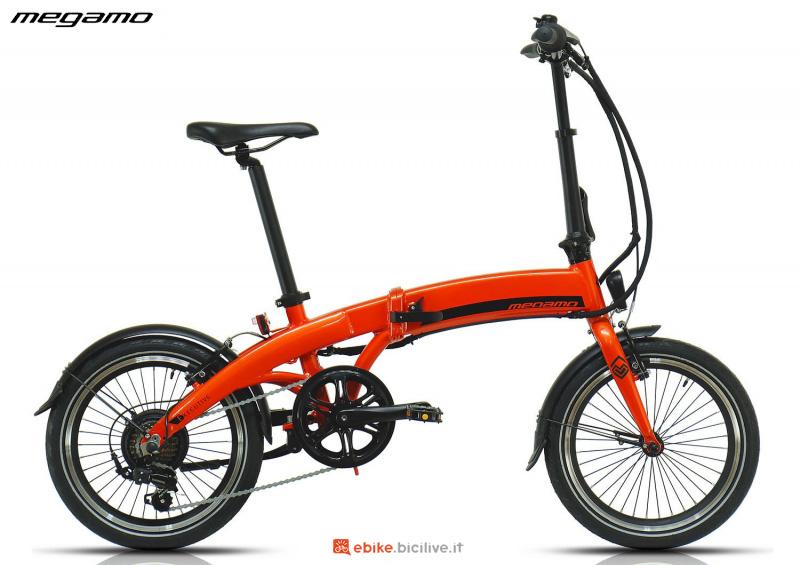Una e-bike urban pieghevole Megamo Executive gamma 2020