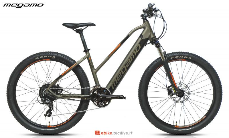 Una mountain bike front Megamo Kinetic One anno 2020 da donna