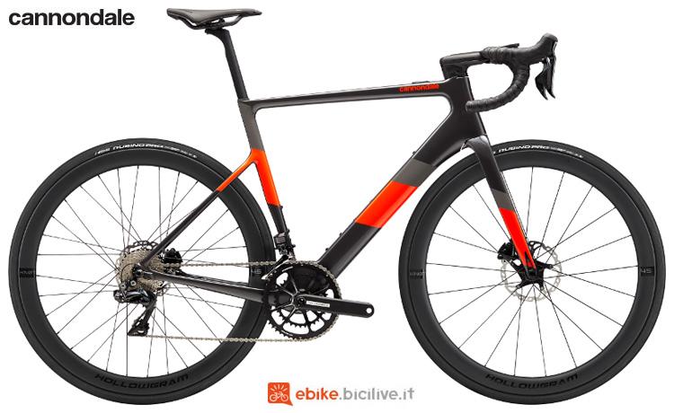 Una bici elettrica da corsa SuperSix EVO Neo 1 2020