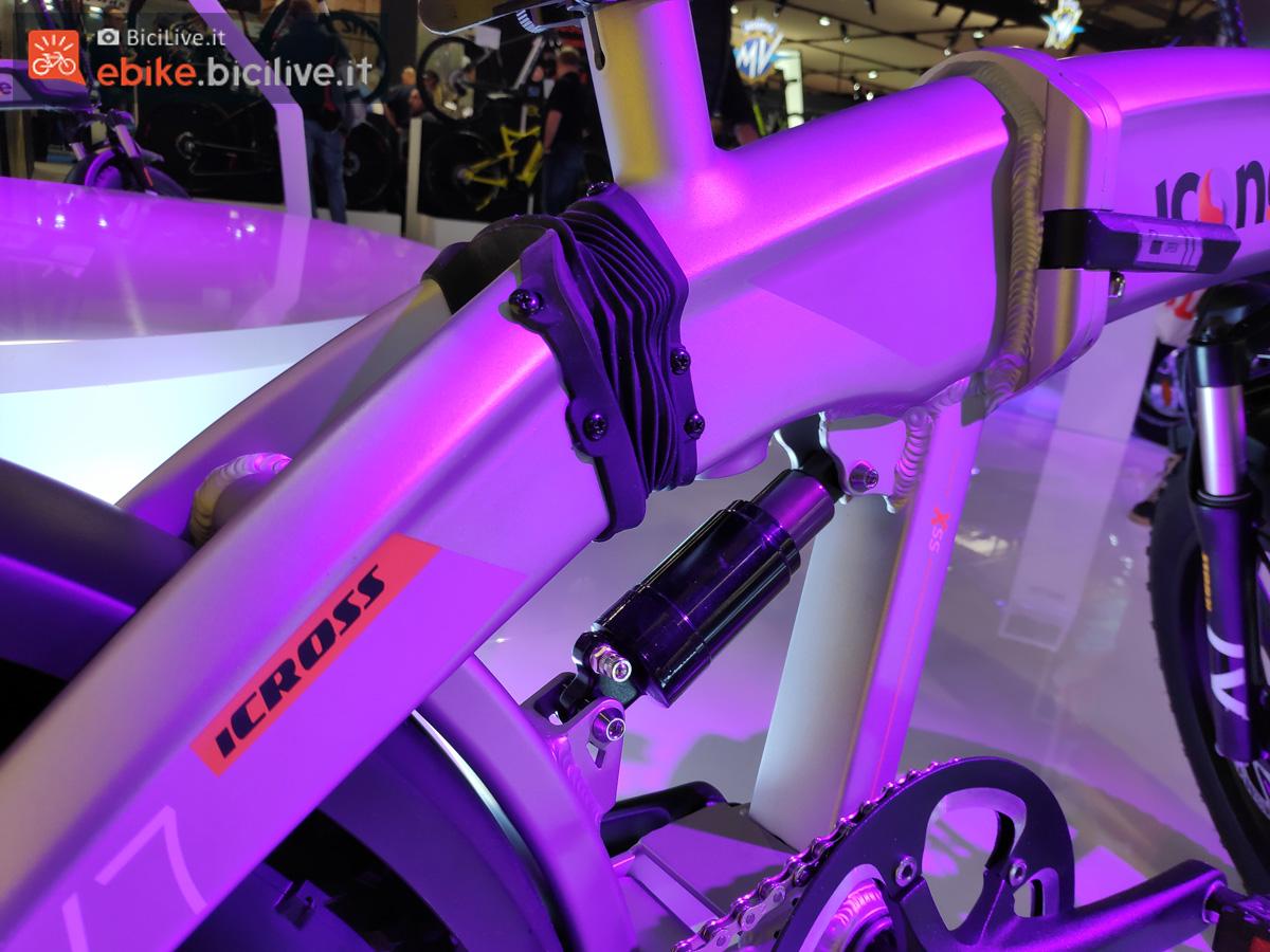 Ammortizzatore installato su bici elettrica Icon.e