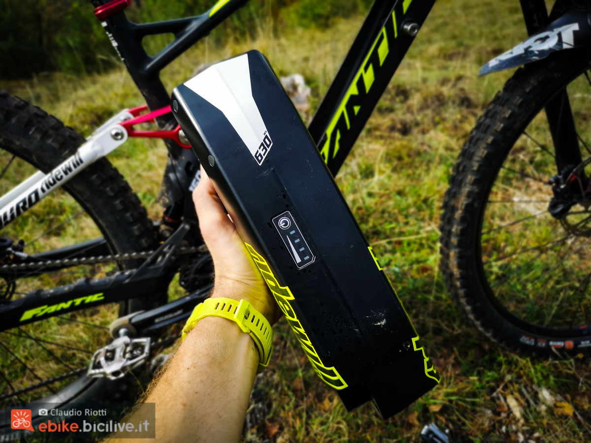 foto della batteria della fantic xf1 2020