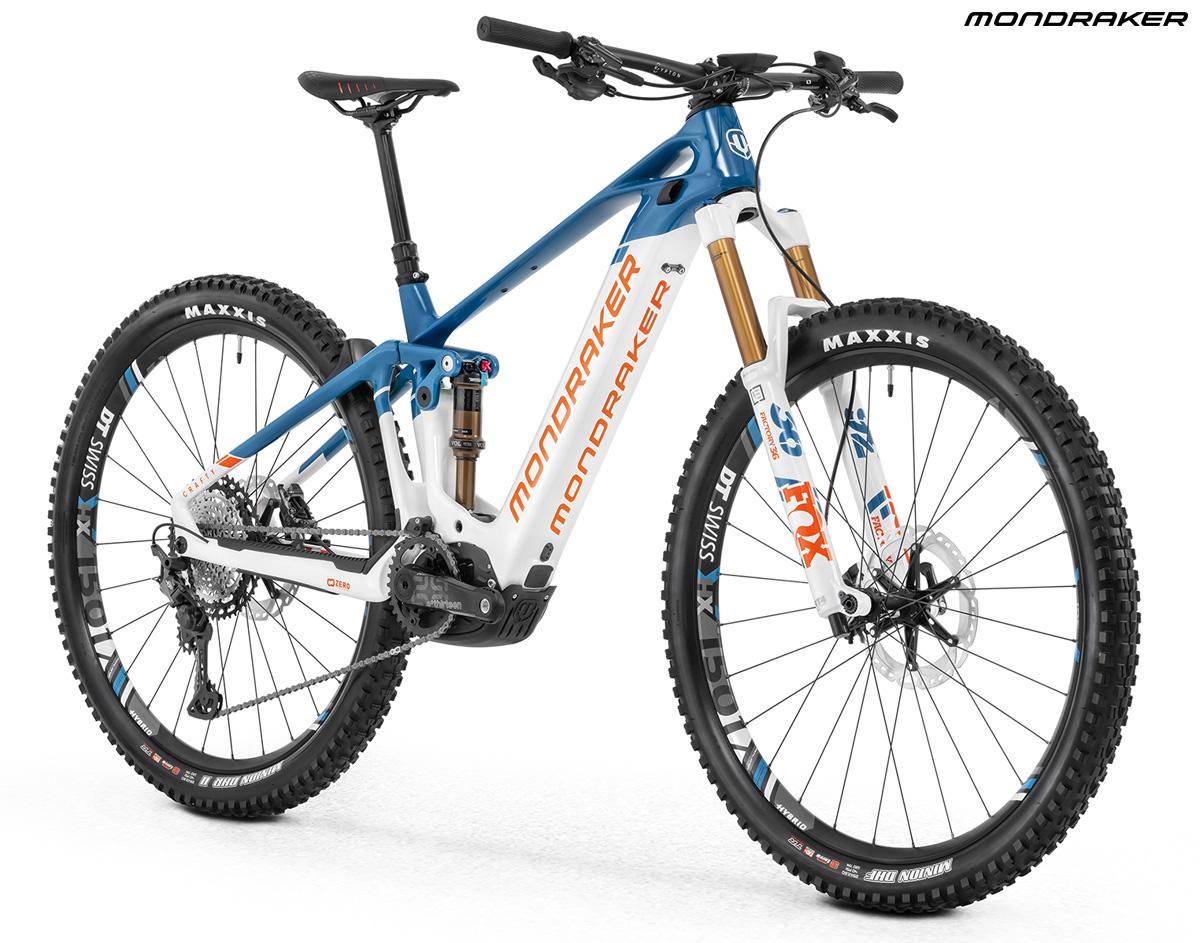 Una mtb a pedalata assistita Mondraker Crafty Carbon RR