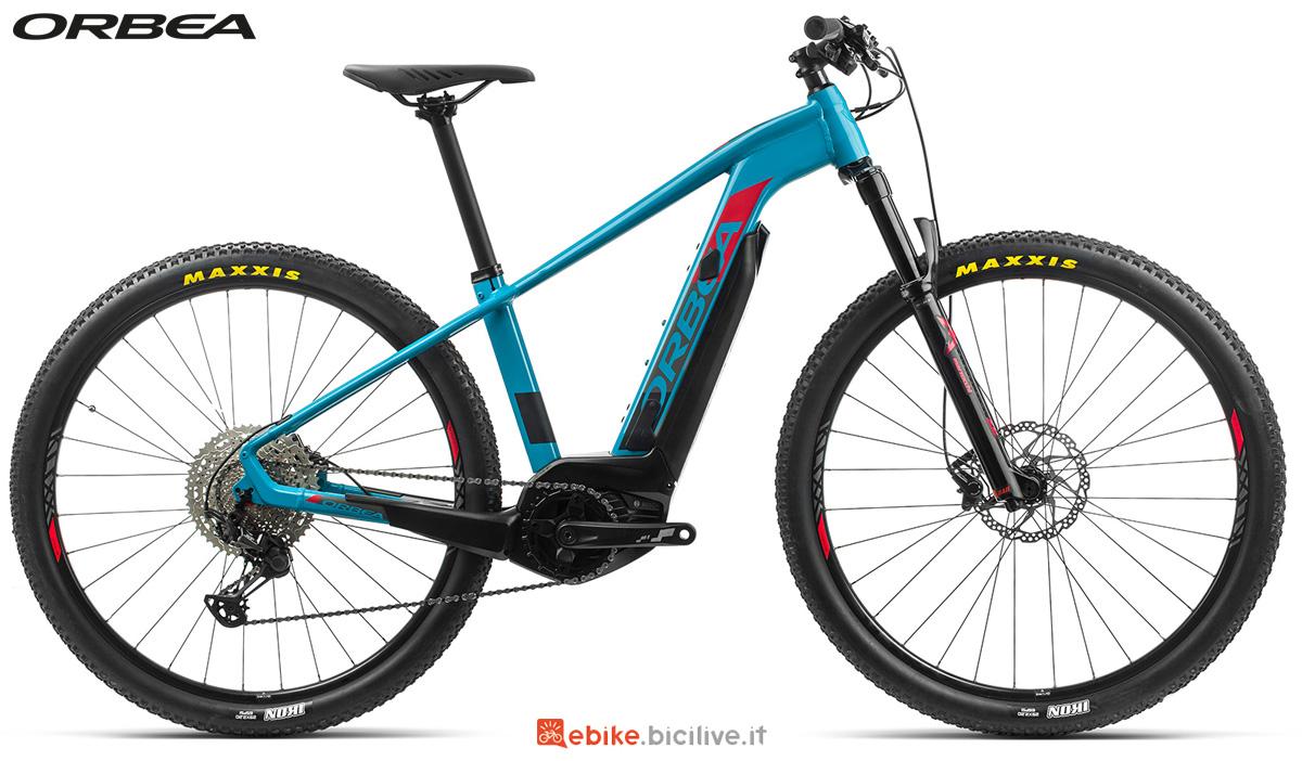 Una mtb a pedalata assistita front Orbea Keram 29 MAX dal catalogo 2020