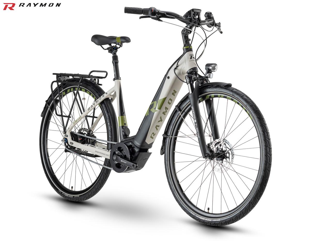 Una ebike a pedalata assistita R Raymon CityRay E 6.0 gamma 2020