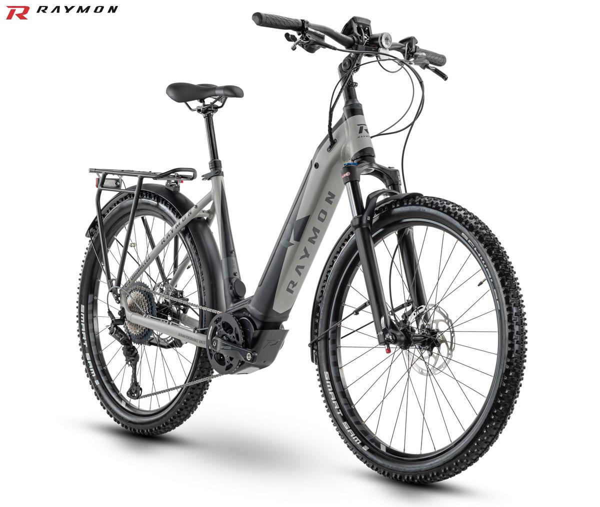 Una bici elettrica da trekking R Raymon CrossRay E 8.5 Street dal catalogo 2020