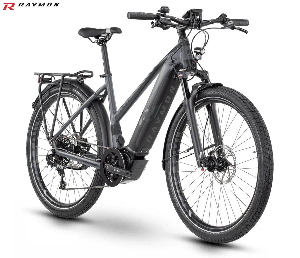 Una e-bike da trekking R Raymon TourRay E 8.0 con telaio da donna