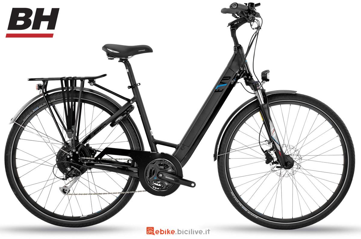 Una e-bike da città BH EVO CITY WAVE PRO-L