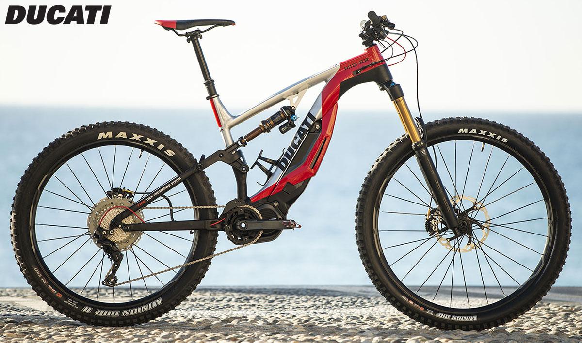 Una ebike Ducati MIG-RR in azione 2020