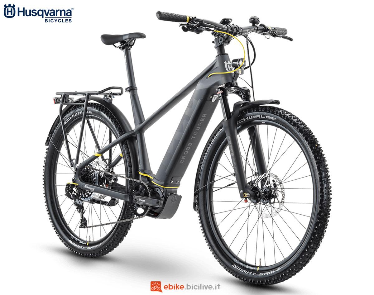 Una bici Husqvarna Cross Tourer CT5 GENT (uomo) 2020