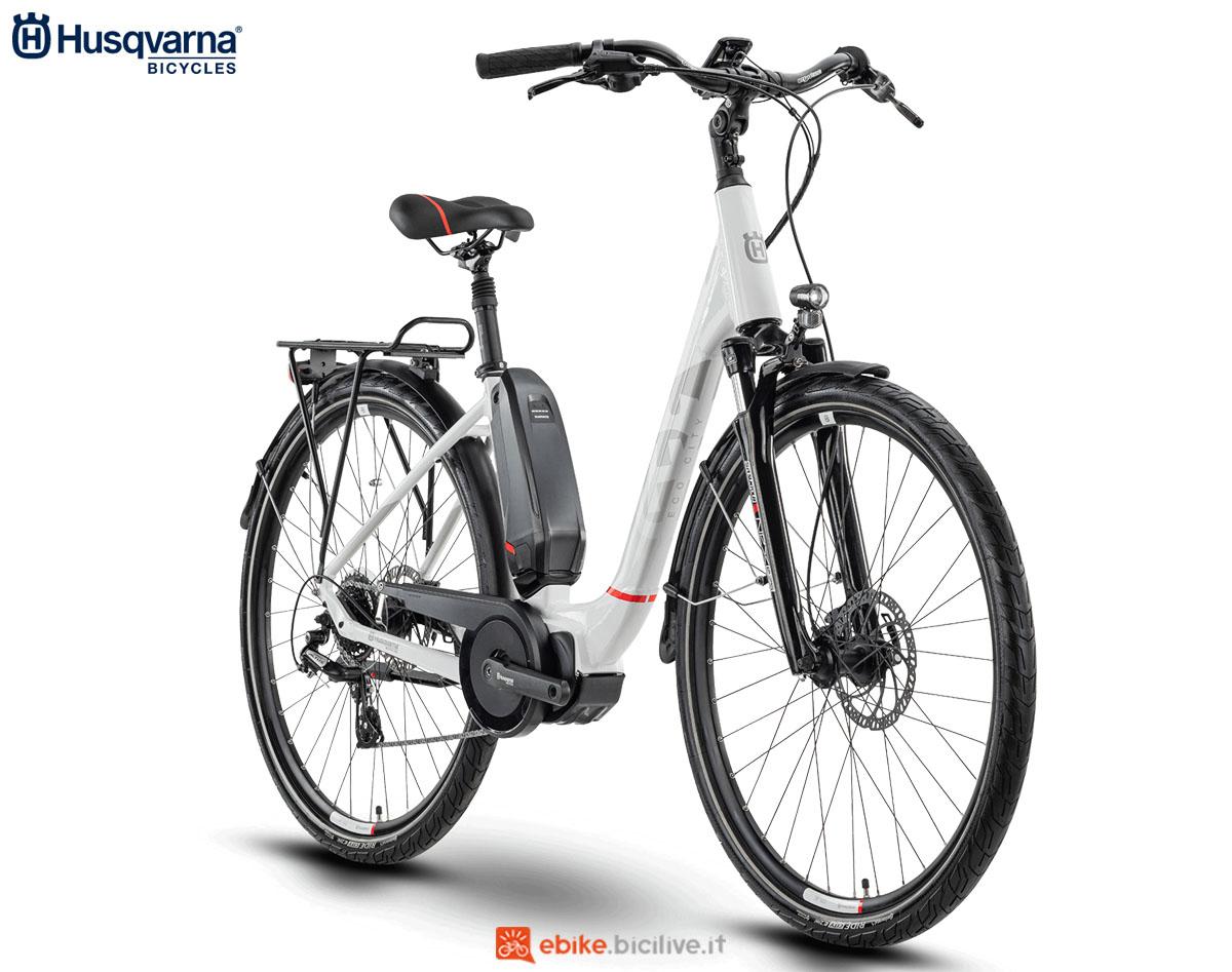 Una bici Husqvarna Gran City EC1 2020