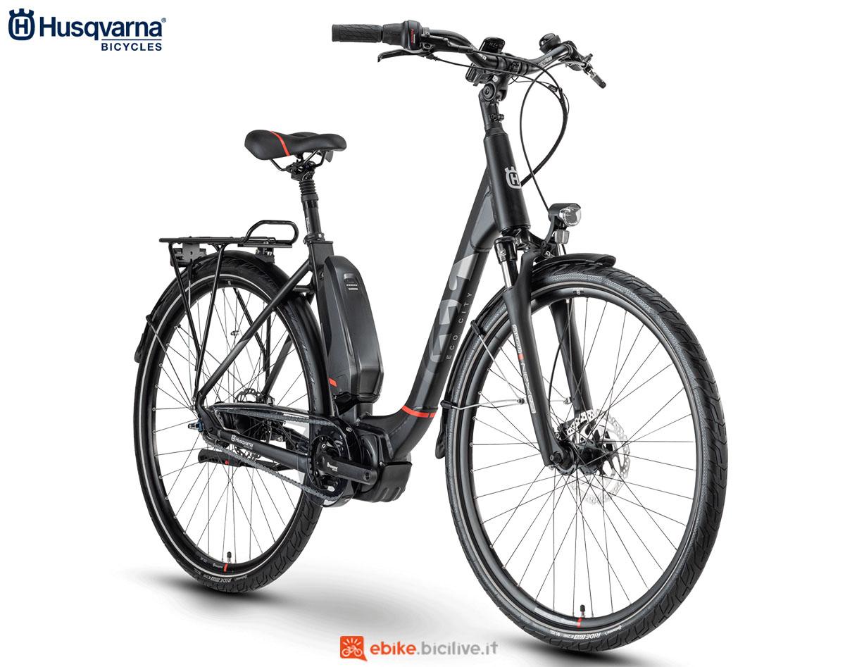 Una bici Husqvarna Gran City EC4 CB 2020