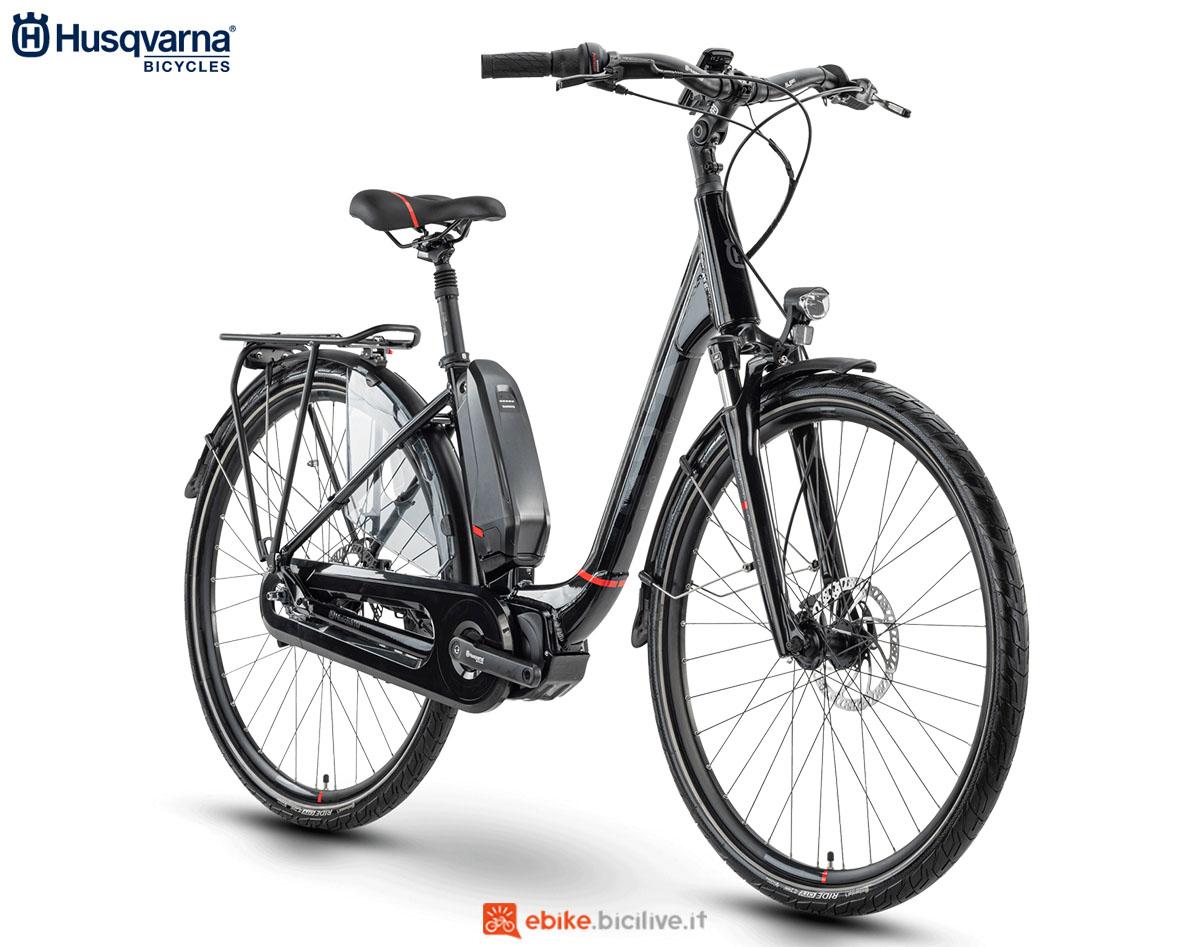 Una bici Husqvarna Gran City EC4 NL 2020