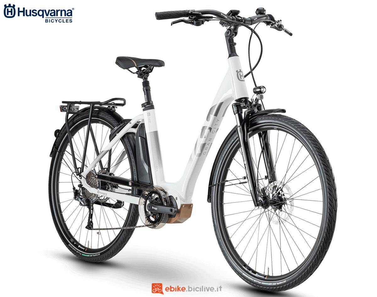 Una bici Husqvarna Gran City GC1 2020