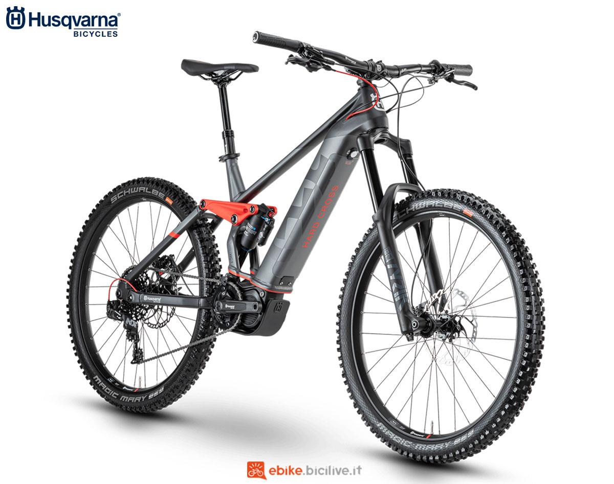 Una bici Husqvarna Hard Cross HC7 2020