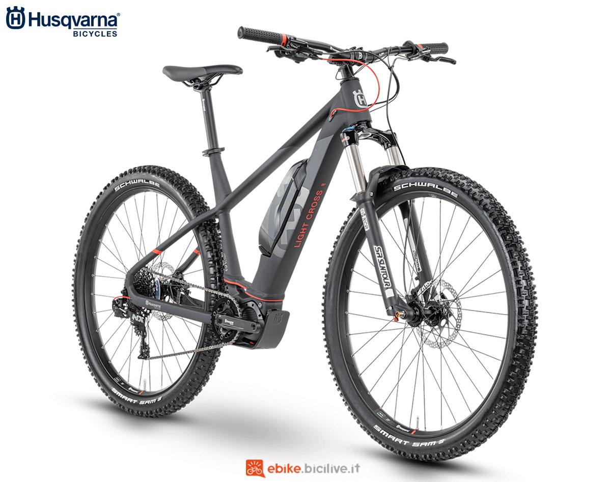 Una bici Husqvarna Light Cross LC3 27.5+/ LC3 29 2020