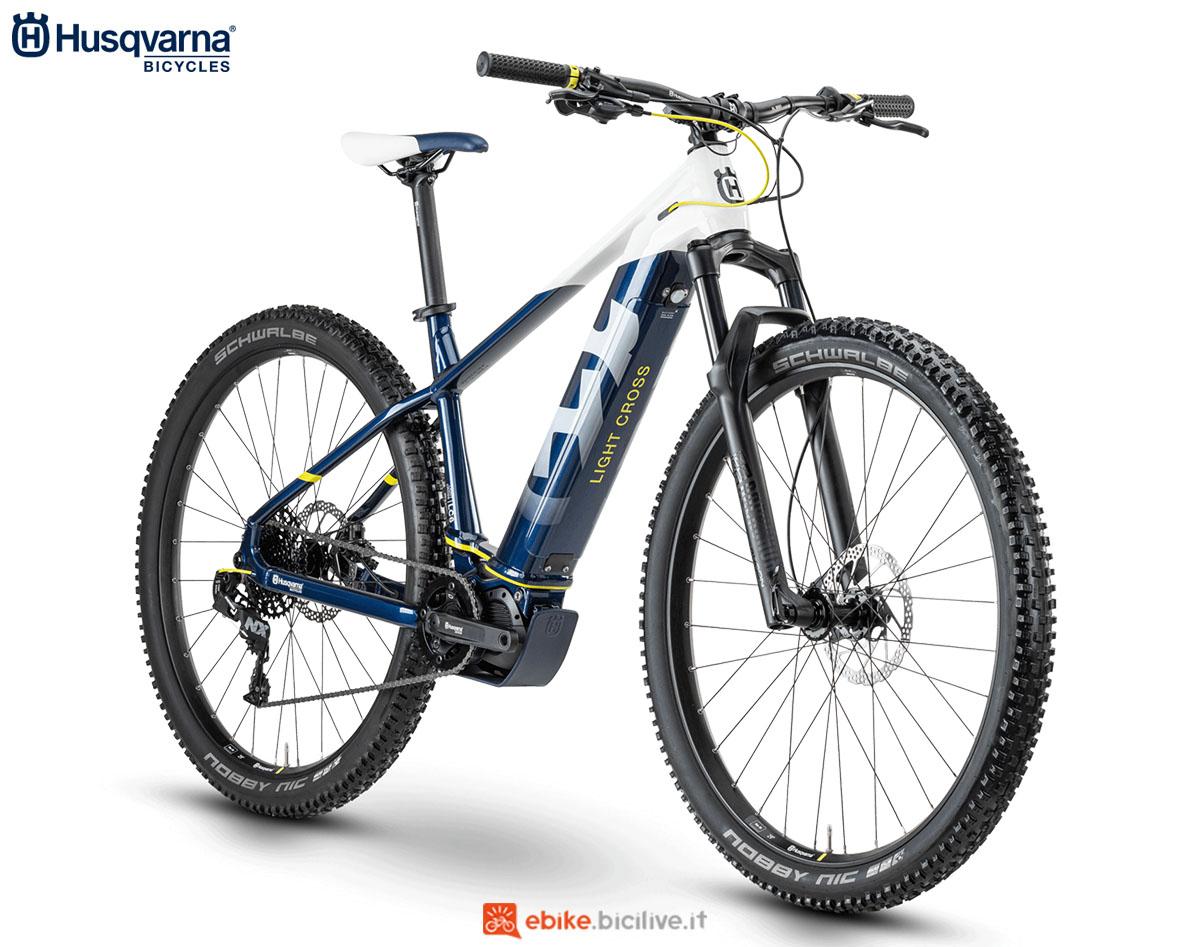 Una bici Husqvarna Light Cross LC6 2020