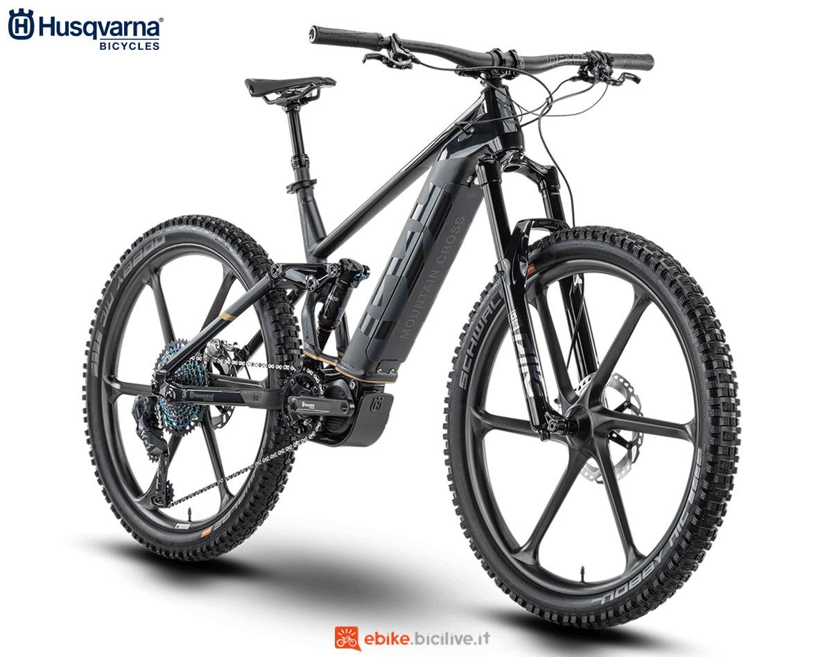 Una bici Husqvarna Mountain Cross MCX 2020