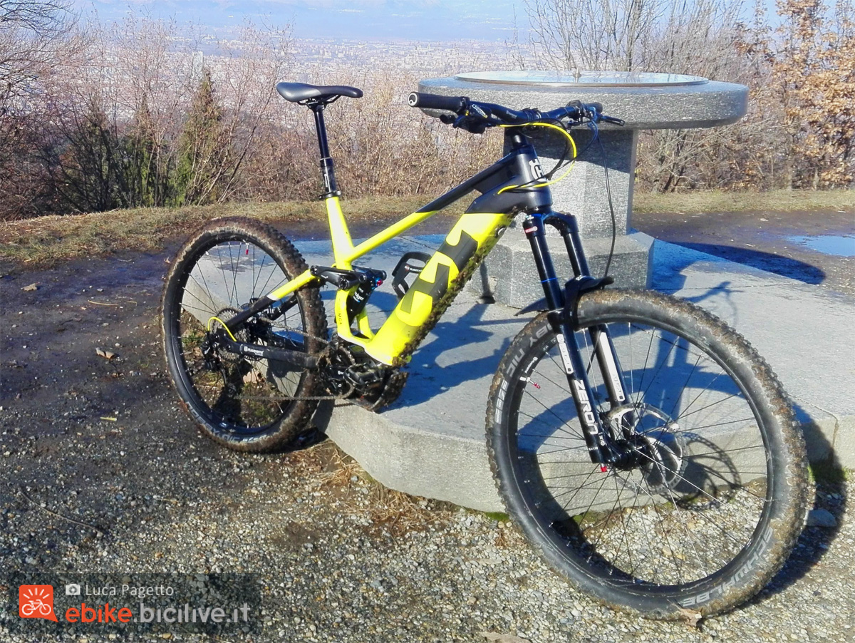 Una e-MTB a pedalata assistita Husqvarna Mountain Cross 4 gamma 2020