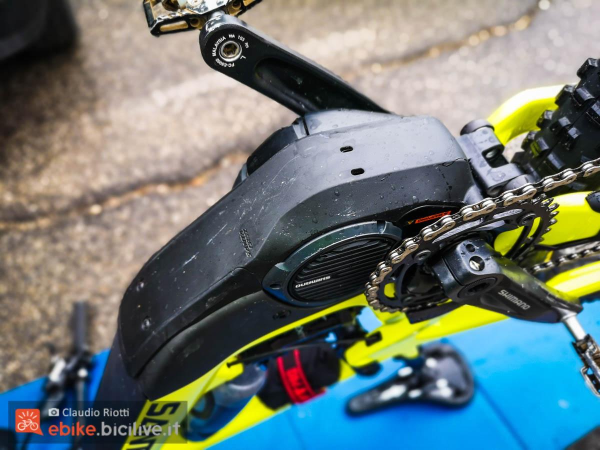 foto della cover del motore della santa cruz heckler 2020