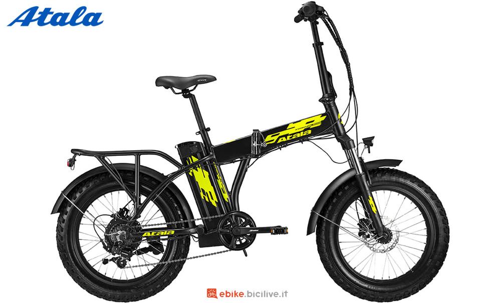 Una bici elettrica pieghevole Atala EXTRAFOLDING