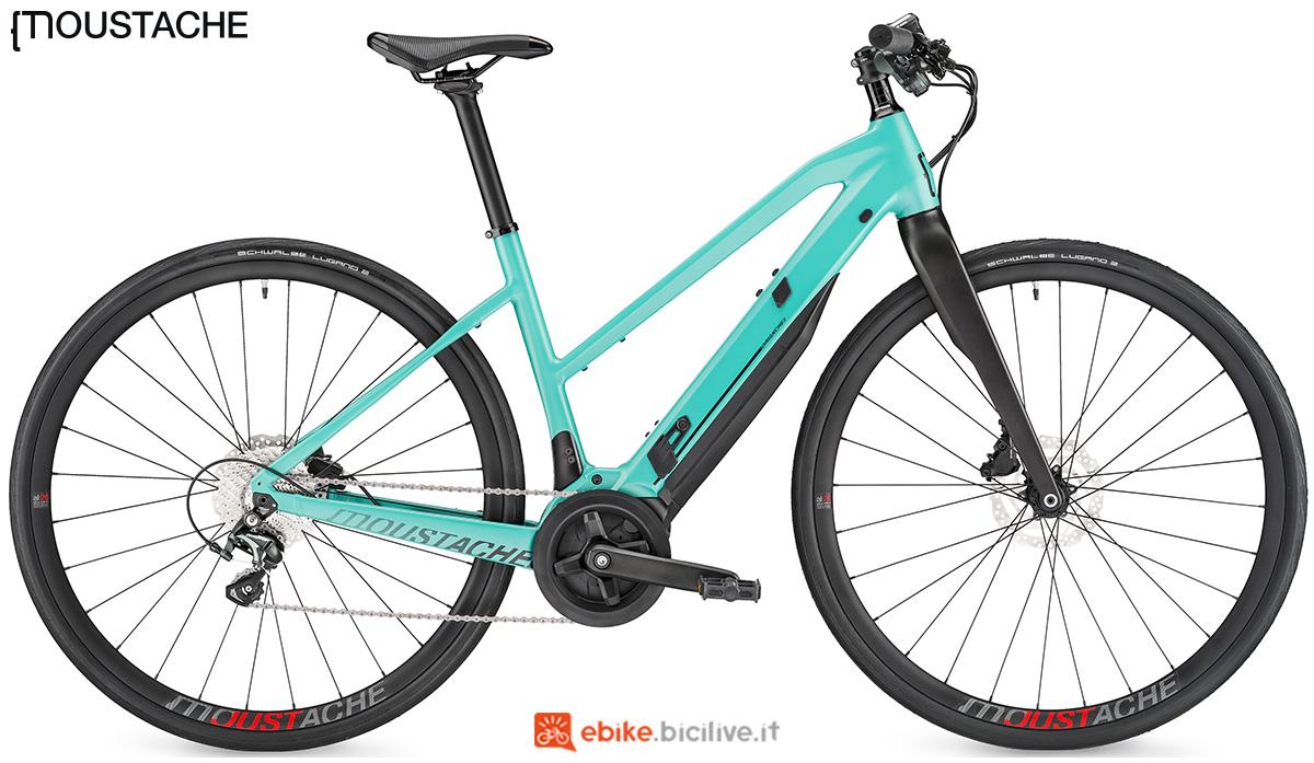 Una bici elettrica da strada Moustache Dimanche 28.1 versione telaio Open