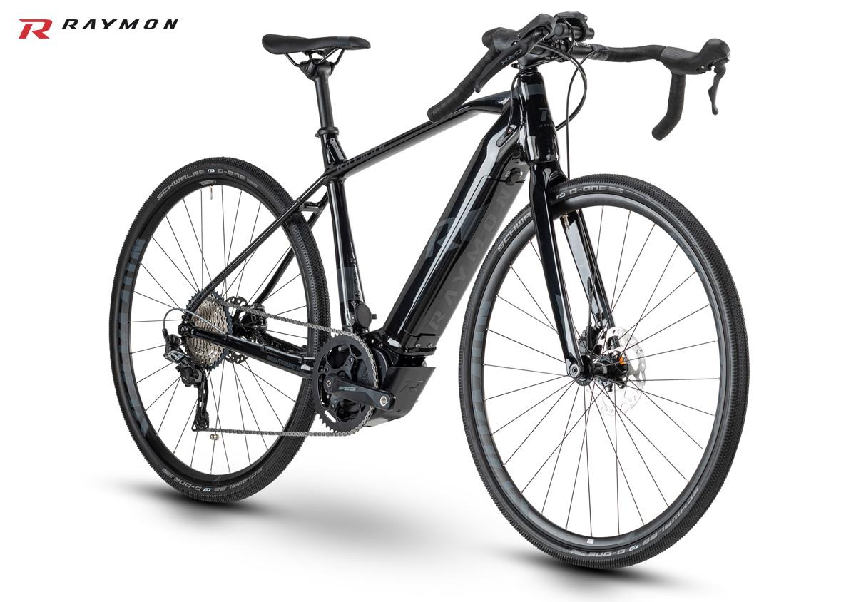 Una bici elettrica da gravel R Raymon GravelRay E 7.0 2020