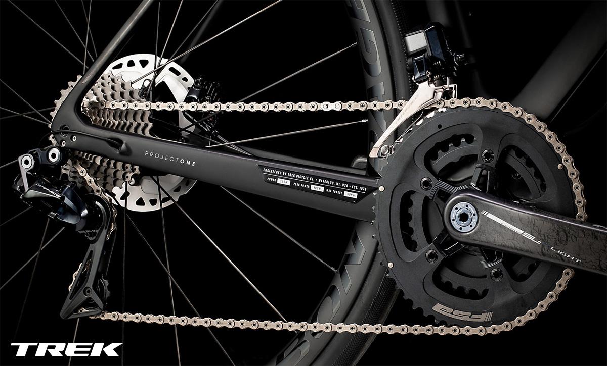 Il gruppo trasmissione equipaggiato sulla e-bike da strada Trek Domane+ LT 9 2020