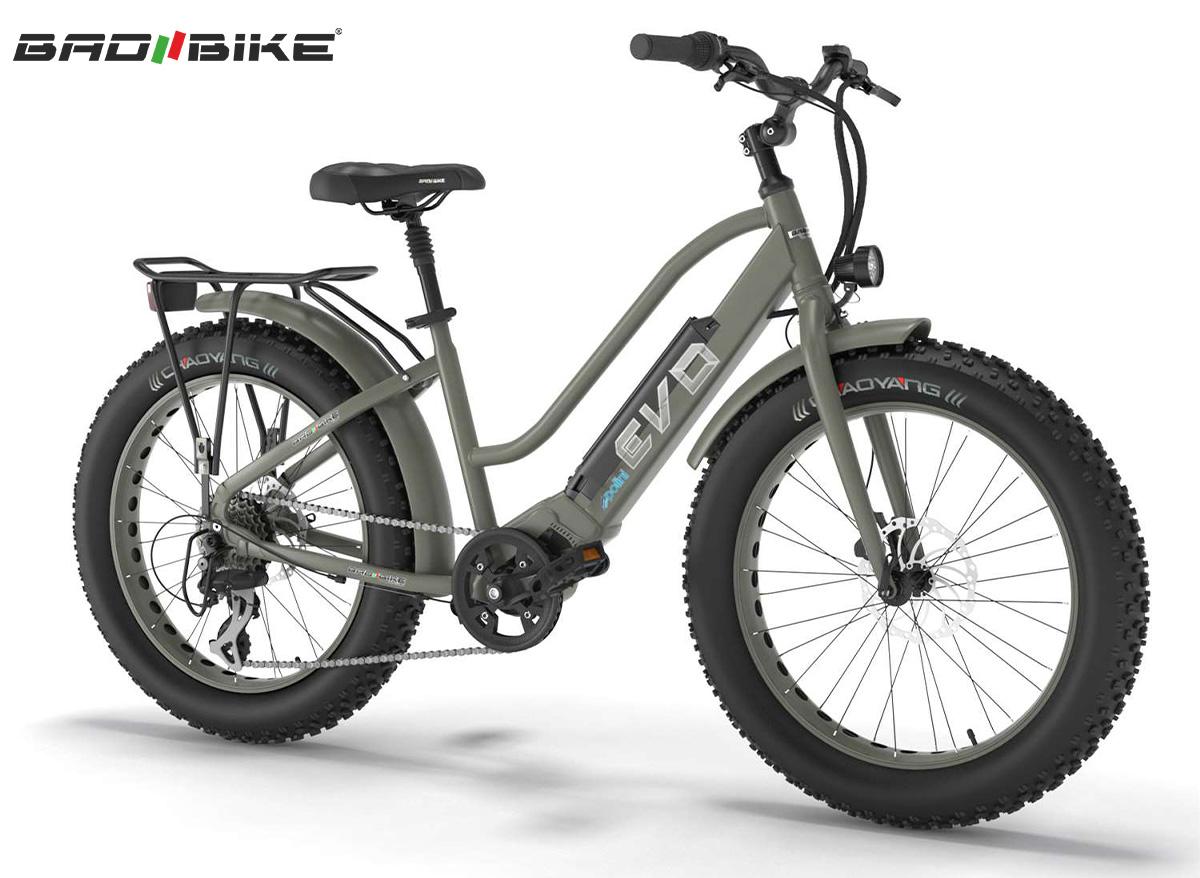 Una e-bike Bad Bike Evo Polini verde oliva
